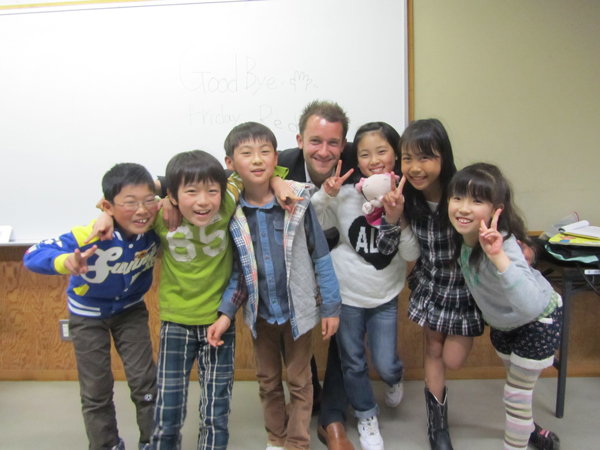生徒と講師の記念撮影